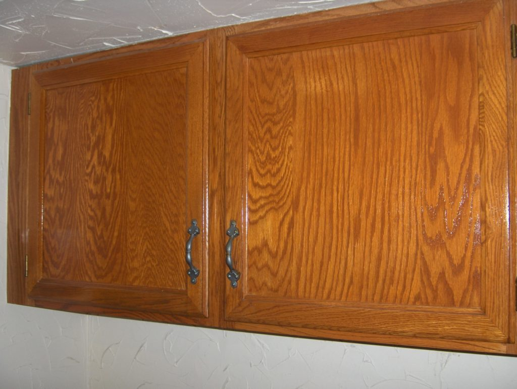 Refinishing_Oak_Kitchen_Cabinets_Easiest_Way