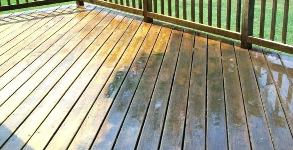 Do_You_Really_Need-To-Remove-Old-Paint-Before-Repainting-Deck