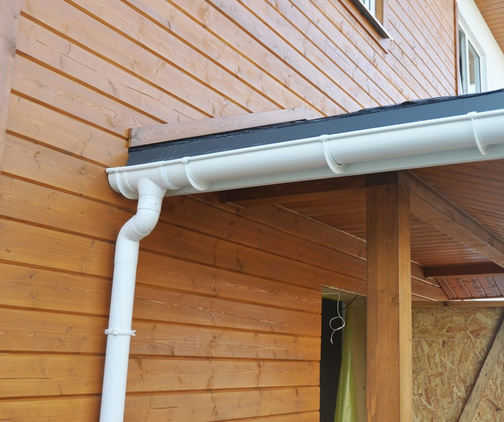 Steps_To_Take_Replacing_Gutters_Also_Painting_Exteriors
