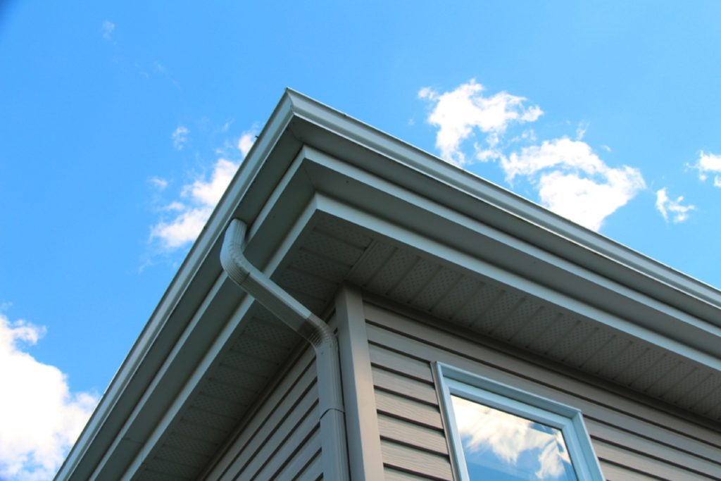 What_To_Know_Painting_Gutters_On_Your_Home