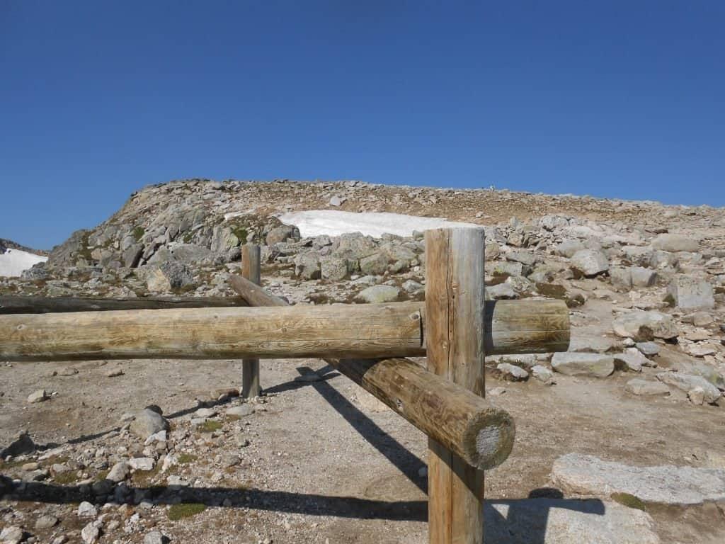 Across_Rocky_Mountain_National_Park