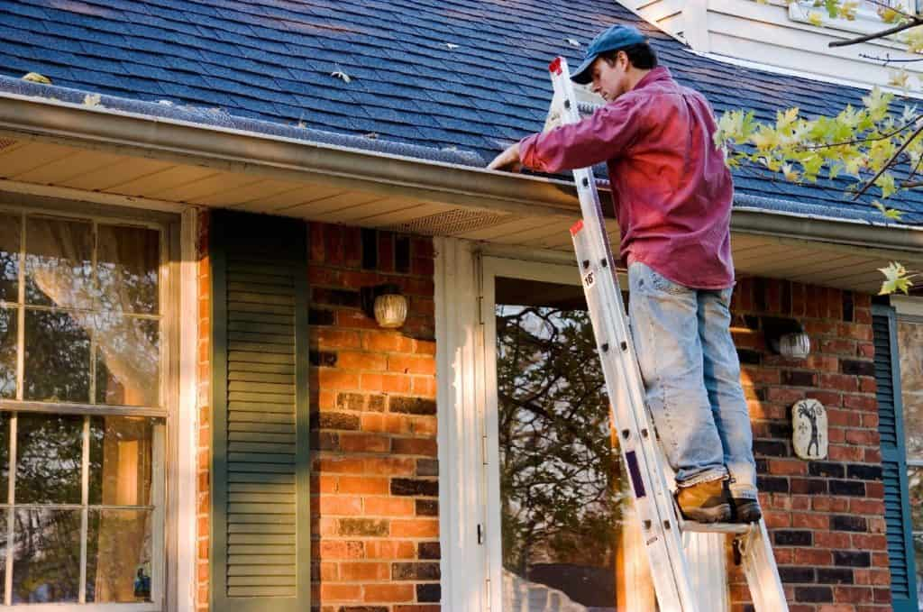 Gutter_Cleaning_Tips