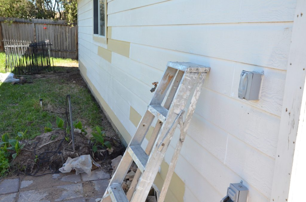 Repair_Any_Wood_Siding_Before_Painting