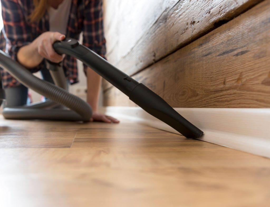 Get _Vacuum_Out_First_Preparing_Baseboards