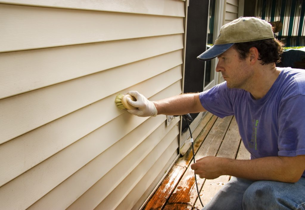 Exterior_Siding_Needs_Best_Paint_Practices_First