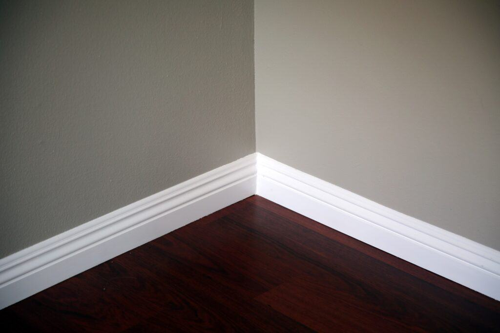 Best_Paint_Finish_For_Trim_And_Baseboards