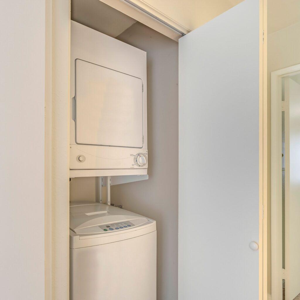 Small_Laundry_Room_Paint_Finishe