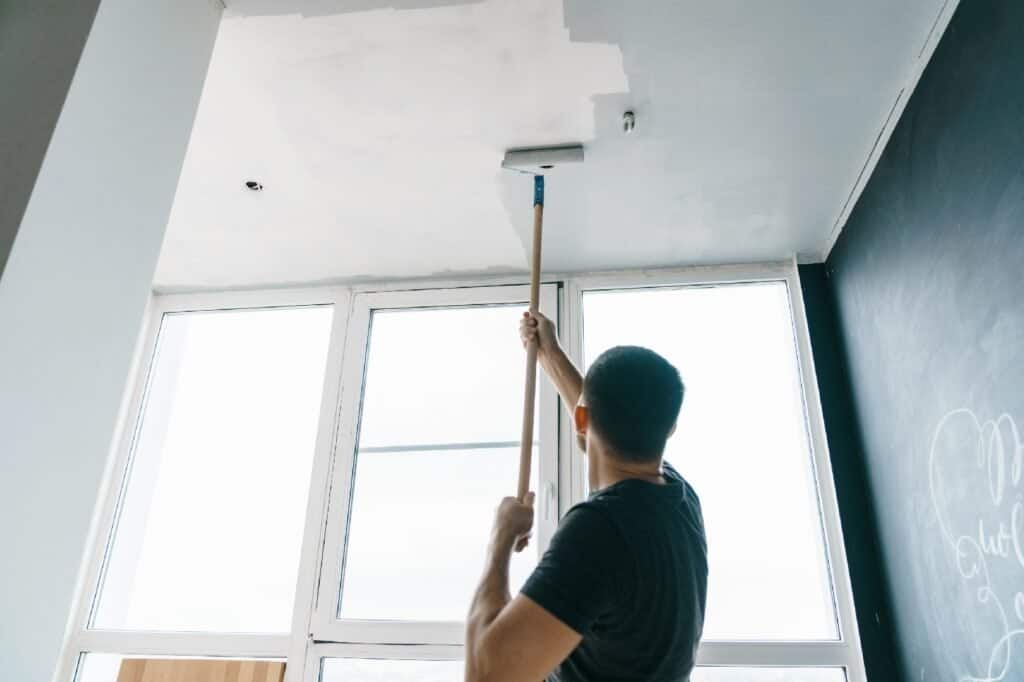How_To_Apply_Paint_On_Textured_Ceiling