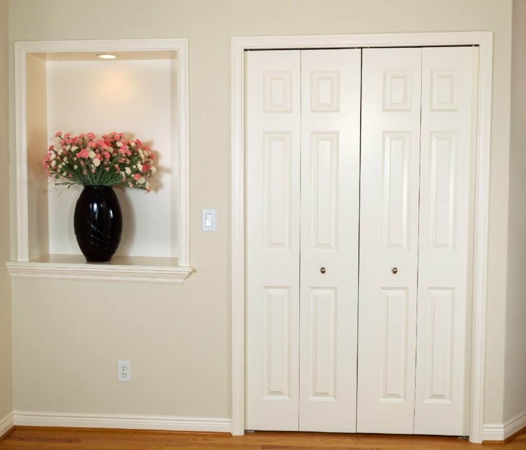 Rules_For_Painting_Interior_Doors